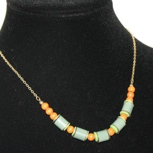 "Stunning vintage 17"" necklace"